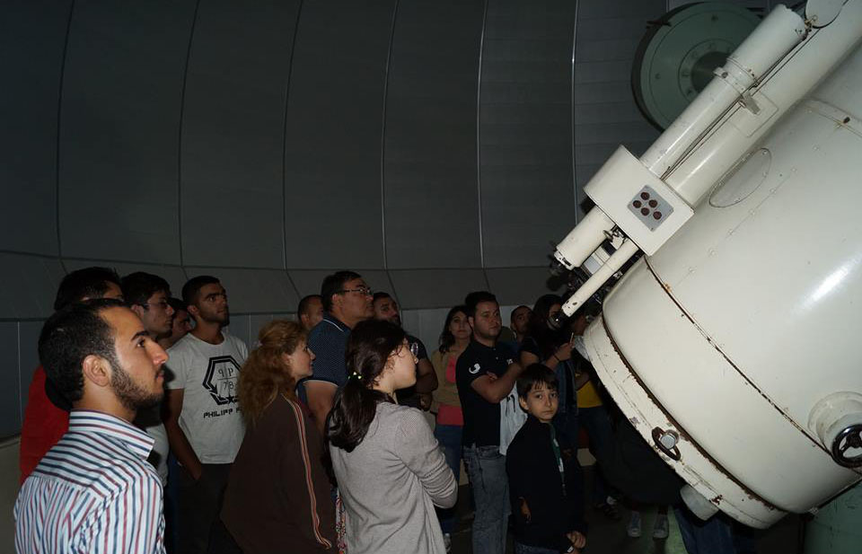 Astronomical excursions are organized to the Observatory