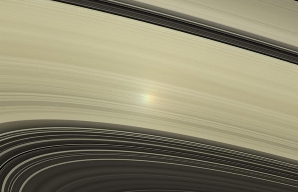 Astronomlar Saturn halqalarının gənc olmasına şübhə edirlər